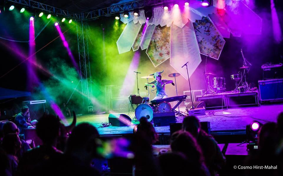 Lễ hội âm nhạc Quest Festival ở Hà Nội bị hủy vào giờ chót: Hàng nghìn khán giả vẫn đang mòn mỏi chờ được hoàn tiền - Ảnh 1.