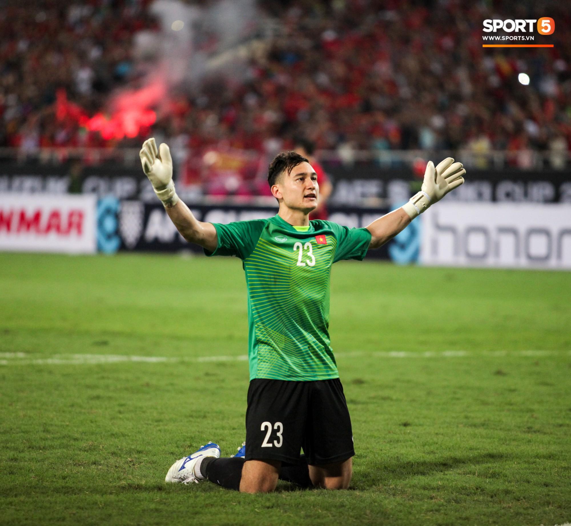 Những Nghi Thức Cầu May Của Đội Tuyển Việt Nam Tại Aff Cup 2018 - Ảnh