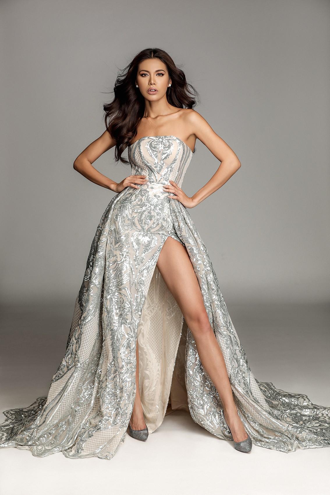 Hành động đẹp của Tiểu Vy dành cho Minh Tú, H'Hen Niê dù sắp bước vào giai đoạn nước rút tại Miss World 2018