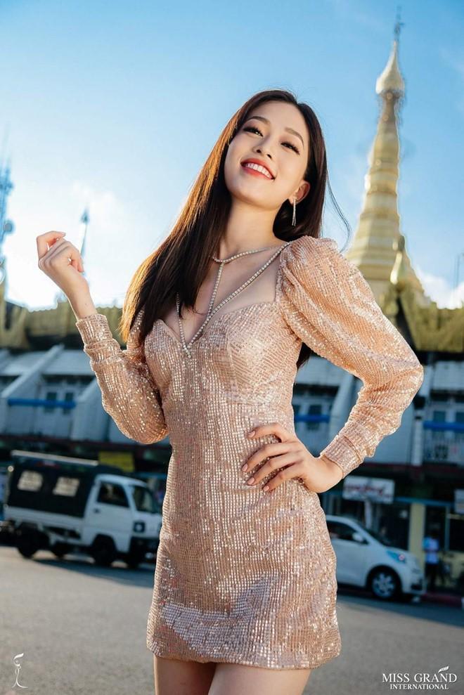 """Đại diện Việt Nam và những lần gặp tin đồn """"trời ơi đất hỡi"""" khi tham dự đấu trường sắc đẹp quốc tế - Ảnh 7."""