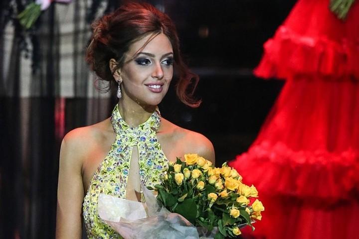 Ảnh: Nhan sắc hoa hậu Moscow (Nga) vừa kết hôn với quốc vương Malaysia - Ảnh 1.