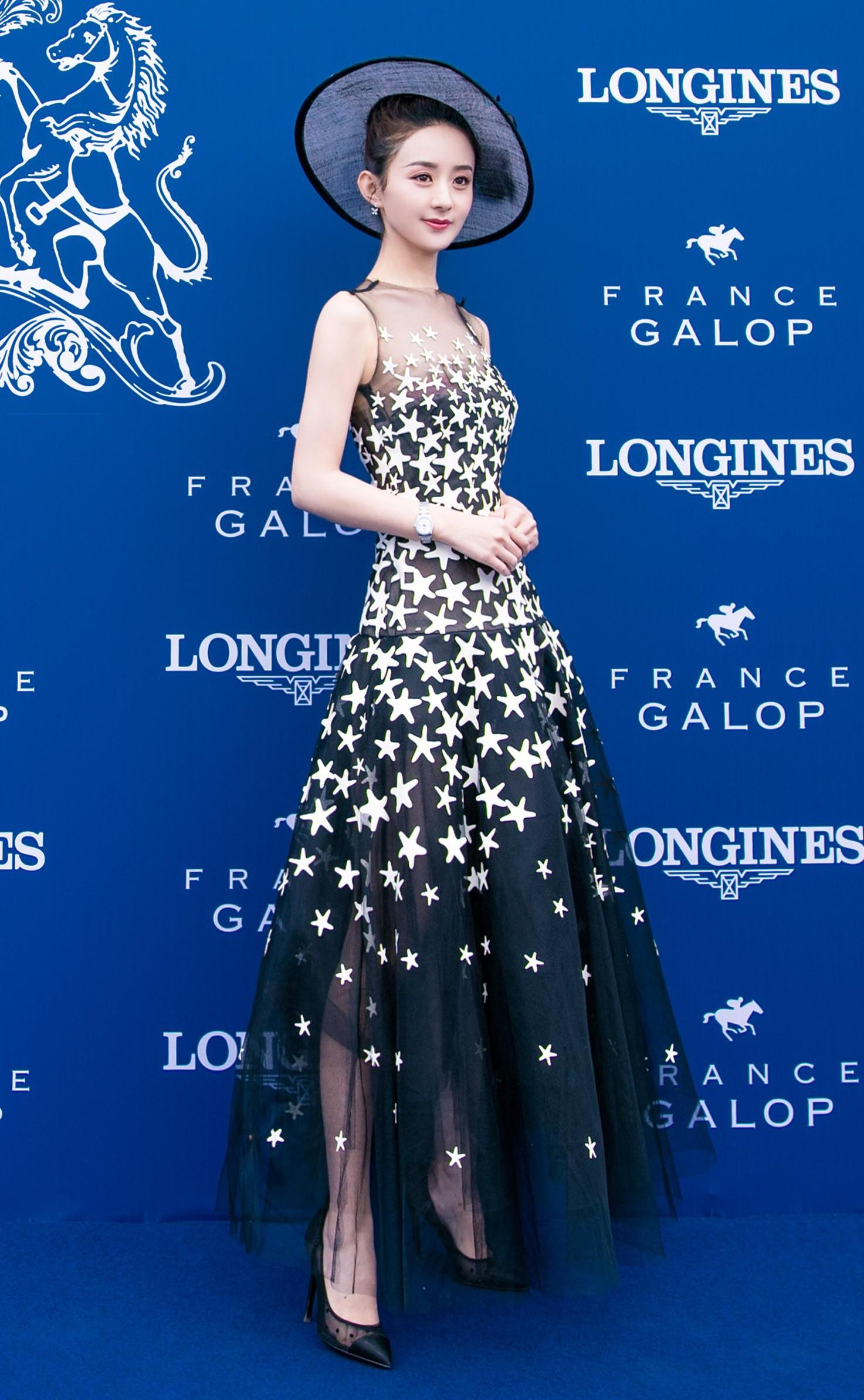 """Cùng diện váy công chúa: Angela Baby, Triệu Lệ Dĩnh, Nhiệt Ba đều """"thua"""" Meghan Markle - Ảnh 7."""