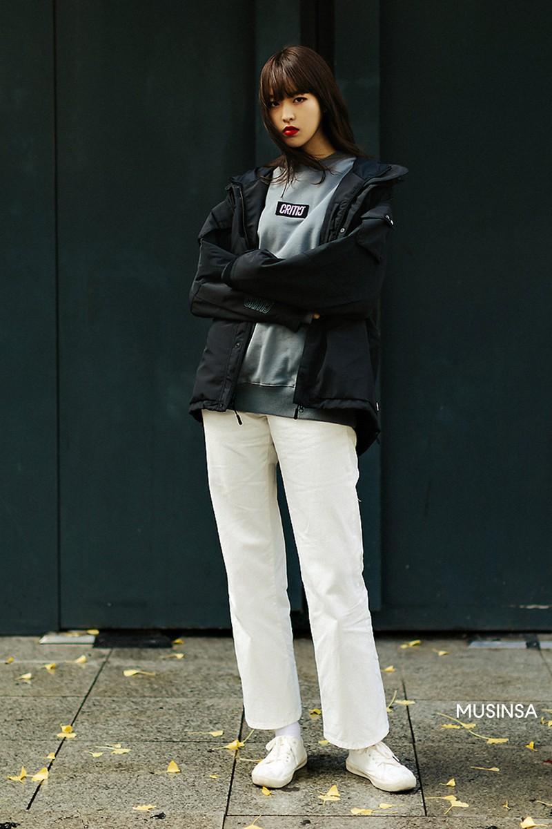 Street style giới trẻ Hàn tuần qua chứng minh: mix đồ đơn giản, thoải mái luôn là đẹp và cool nhất - Ảnh 7.