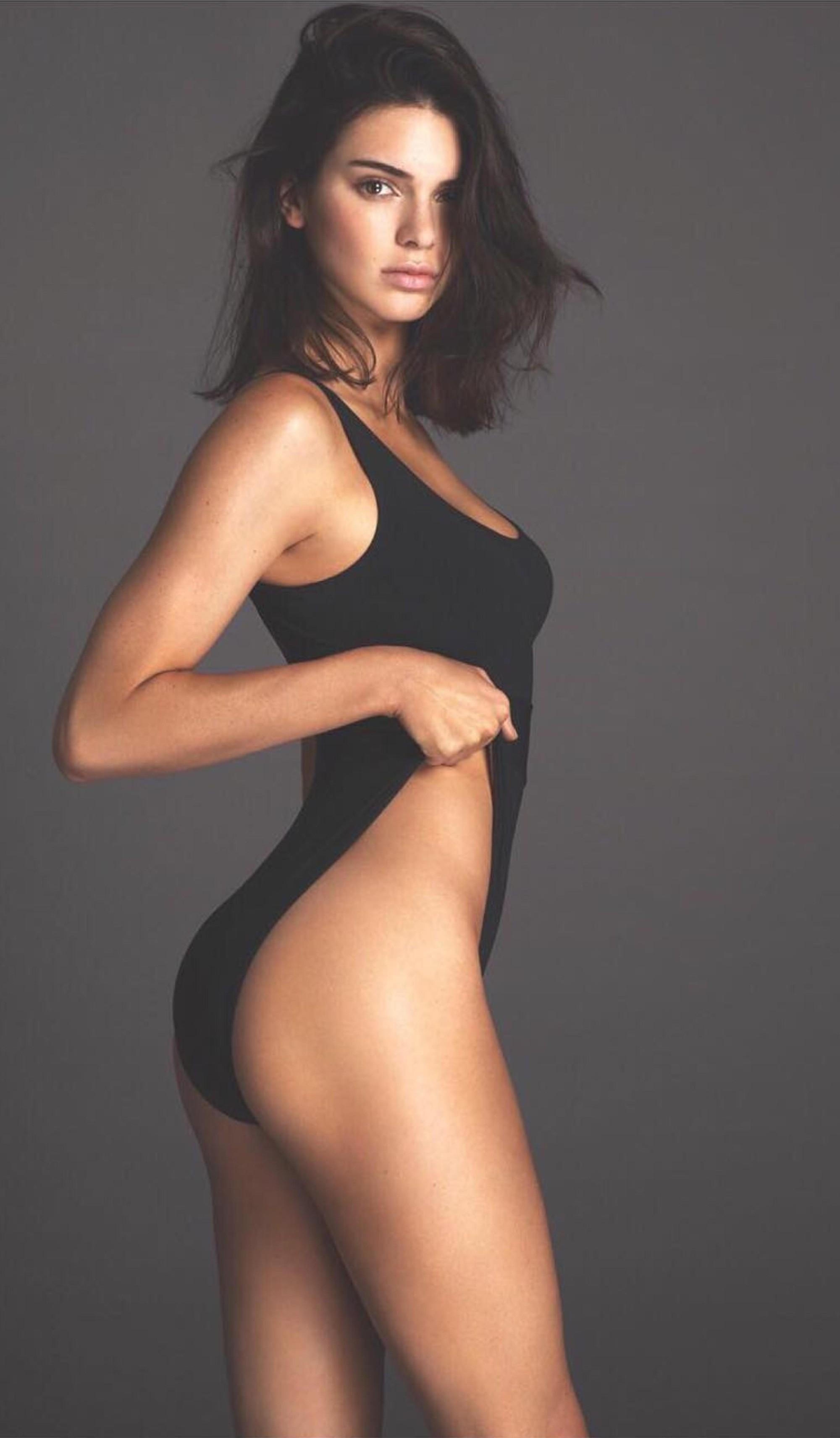 Kendall Jenner tròn 23 tuổi: Nhìn lại loạt khoảnh khắc nhan sắc đỉnh cao của siêu mẫu kiếm nhiều tiền nhất thế giới! - Ảnh 17.