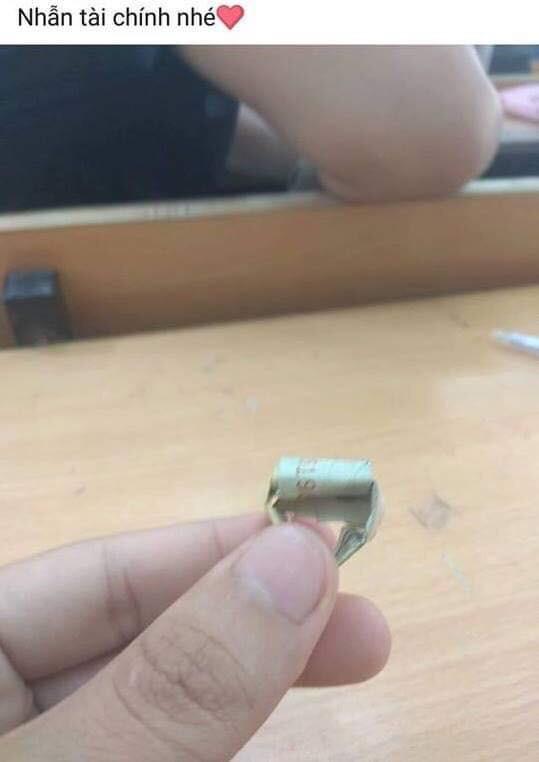 Khi con trai học ngành kĩ thuật cầu hôn: Nhẫn bện bằng dây đồng, kim cương chính là... ốc vít - Ảnh 15.