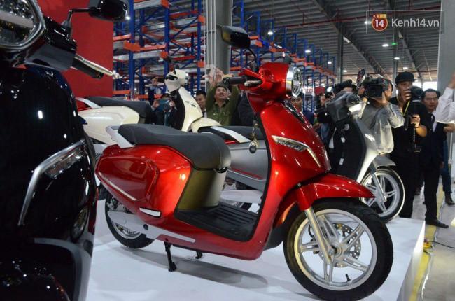 VinFast trình làng xe máy điện đầu tiên mang tên Klara- Ảnh 7.