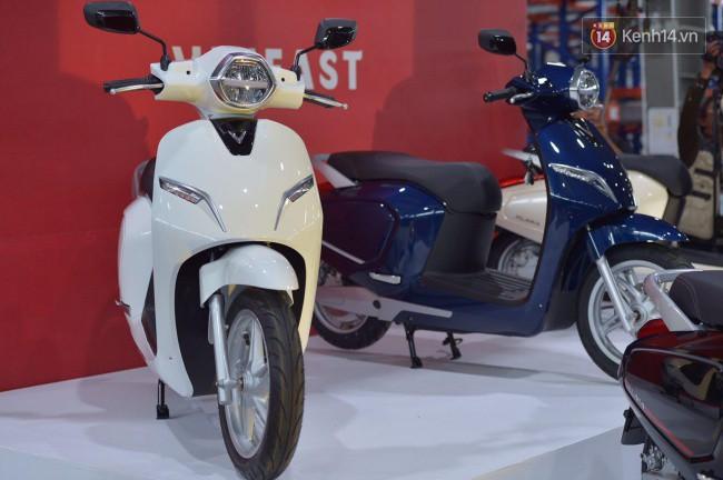 VinFast trình làng xe máy điện đầu tiên mang tên Klara - Ảnh 1.