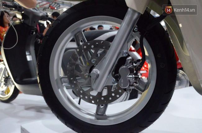 VinFast trình làng xe máy điện đầu tiên mang tên Klara - Ảnh 6.