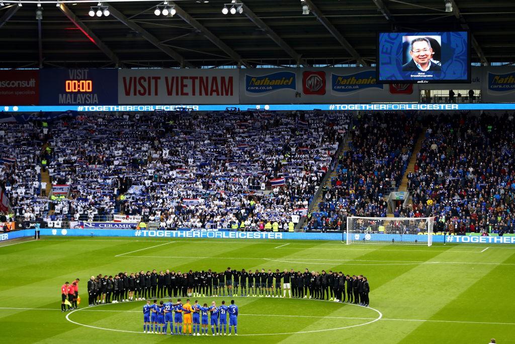 Chiếc áo đặc biệt tưởng nhớ ông Vichai và những hình ảnh đầy xúc động trong trận đầu tiên của Leicester sau thảm kịch - Ảnh 11.