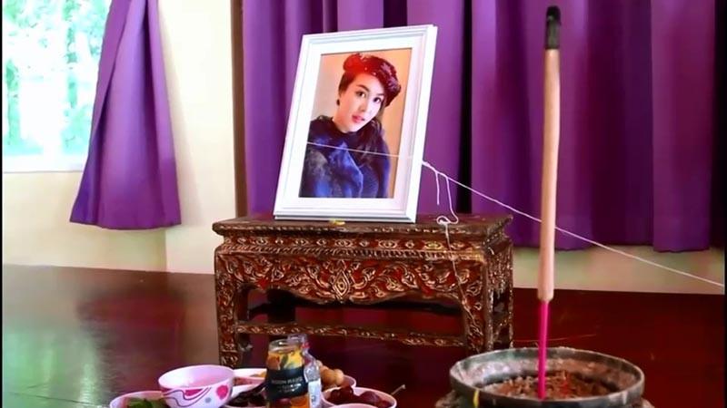 Lễ cầu nguyện cho cựu Á hậu Thái tử nạn cùng chủ tịch Leicester: Bố đẻ của cô tiết lộ chi tiết rùng mình - Ảnh 2.