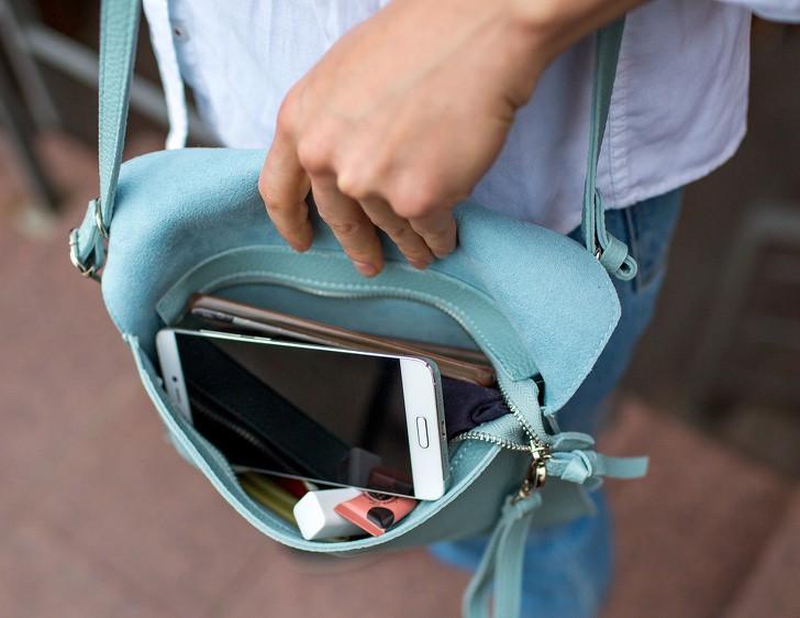 8 thói quen dùng smartphone như phá: Không bỏ được thì xài điện thoại cục gạch luôn cho bền - Ảnh 8.
