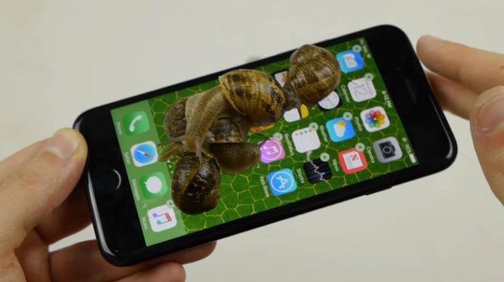 8 thói quen dùng smartphone như phá: Không bỏ được thì xài điện thoại cục gạch luôn cho bền - Ảnh 1.