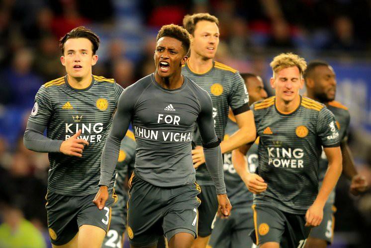 Cầu thủ Leicester bàng hoàng vì bị trừng phạt sau khi cởi áo tri ân ông Vichai - Ảnh 1.