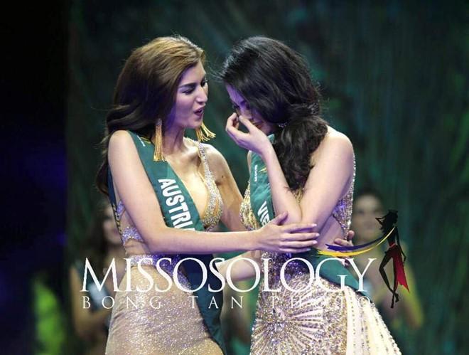 Clip: Người đẹp Việt bật khóc khi được gọi tên trở thành Tân Hoa hậu Trái đất - Ảnh 4.