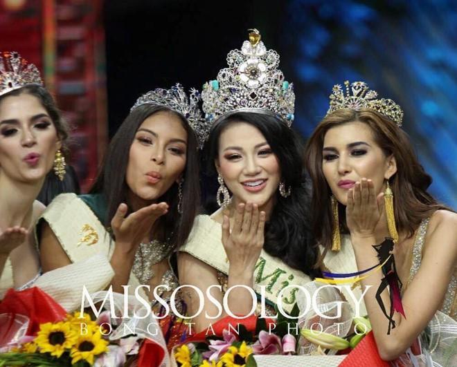 Clip: Người đẹp Việt bật khóc khi được gọi tên trở thành Tân Hoa hậu Trái đất - Ảnh 6.