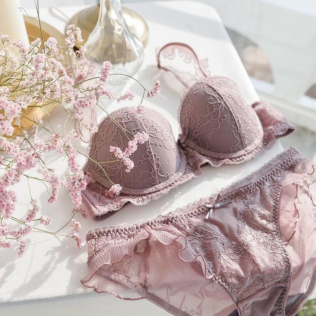 Để mặc chiếc áo ngực của mình thật lâu bền, các nàng cần tránh 4 sai lầm sau khi giặt giũ và bảo quản