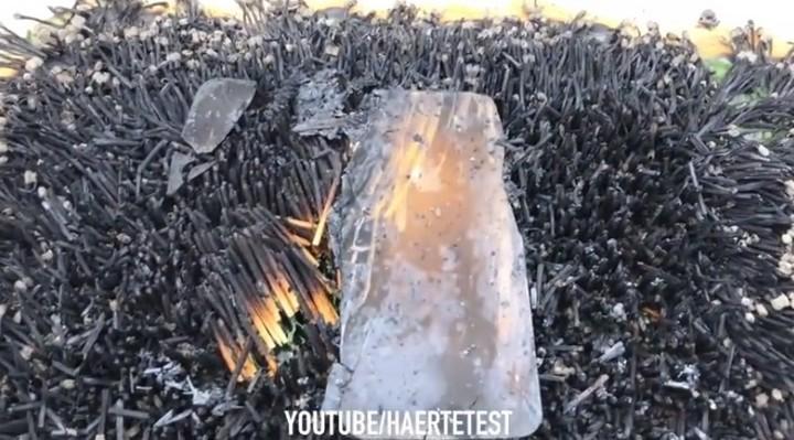 Hỏa thiêu iPhone XR với 10.000 que diêm và cái kết xót xa nhói lòng - Ảnh 3.