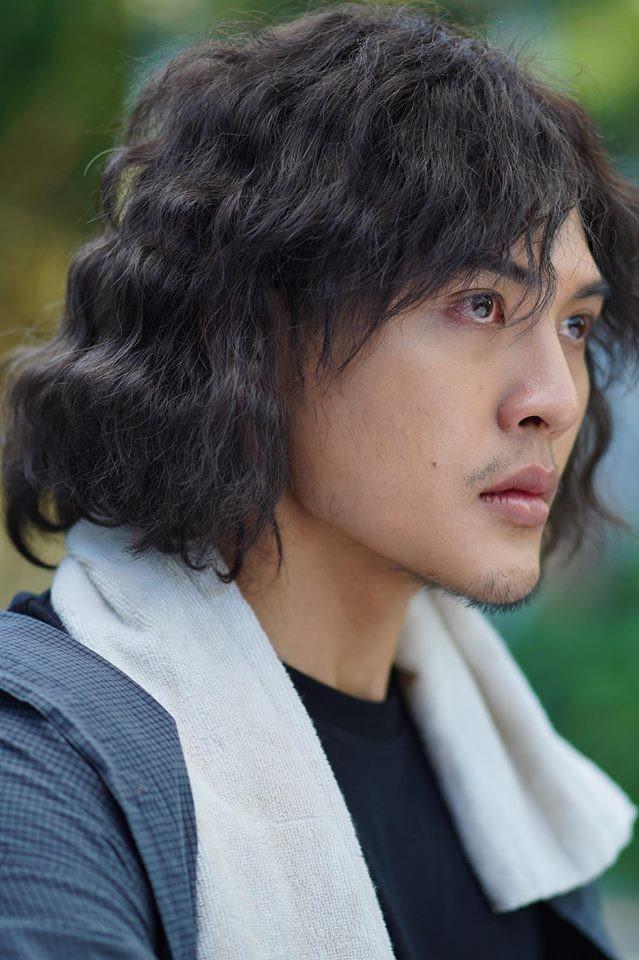 Tiết lộ bất ngờ về thân thế của hot boy giao nước đá trong web drama đang sốt xình xịch - Ảnh 3.