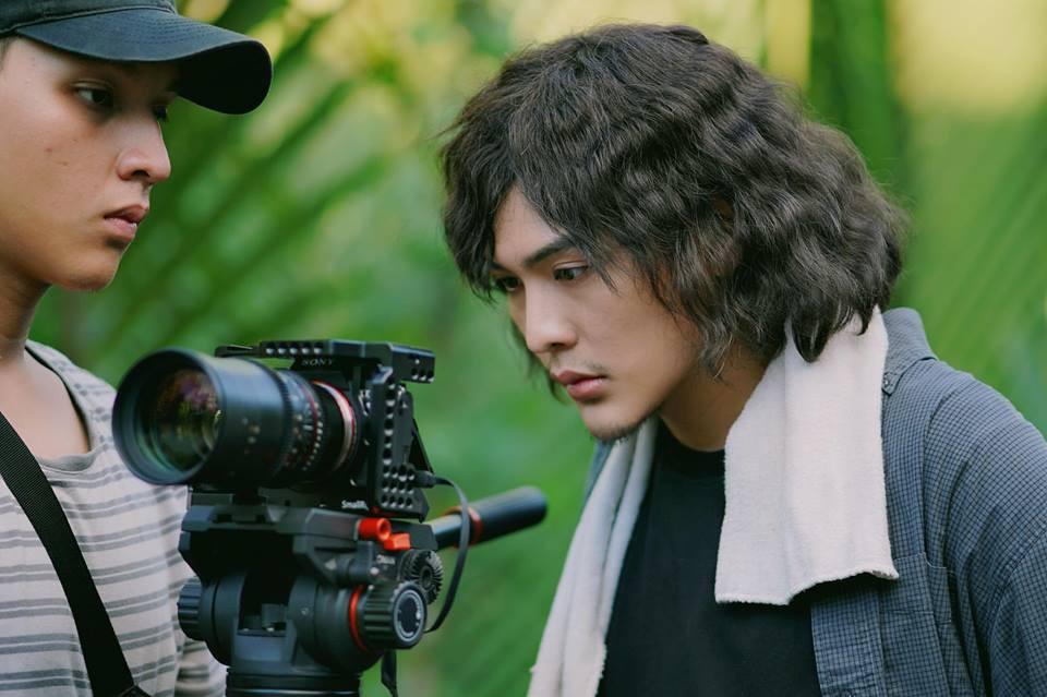 Tiết lộ bất ngờ về thân thế của hot boy giao nước đá trong web drama đang sốt xình xịch - Ảnh 4.