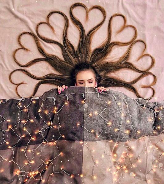 Đăng ảnh toàn tóc là tóc, Công chúa tóc mây người Hà Lan vẫn nổi tiếng ầm ầm trên Instagram - Ảnh 6.