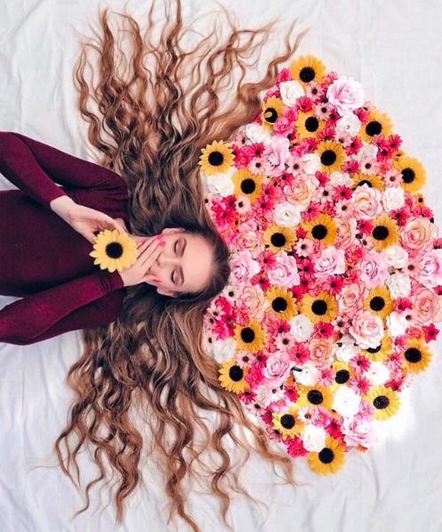 Đăng ảnh toàn tóc là tóc, Công chúa tóc mây người Hà Lan vẫn nổi tiếng ầm ầm trên Instagram - Ảnh 3.