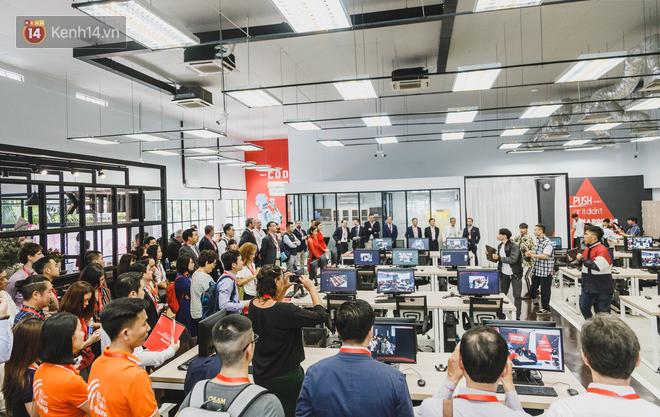 Những ngôi trường lạ nhất Việt Nam: Trường giúp học sinh cai nghiện game bằng võ Vovinam, trường lại không có giáo viên, học bằng cách chơi game - Ảnh 11.