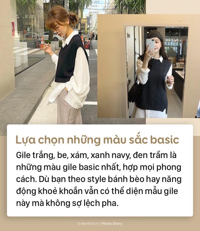Tips để mặc áo gile bà già trẻ trung, thời thượng mùa thu đông năm nay - Ảnh 1.