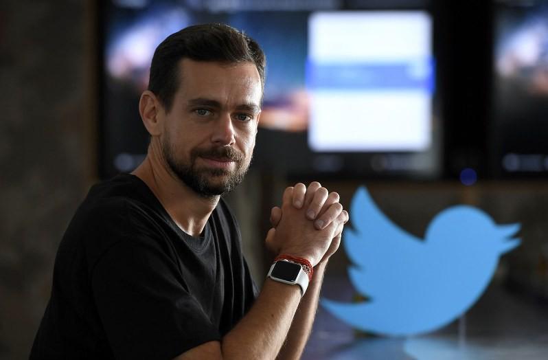 Thức giấc lúc 5h, ngồi thiền 30 phút và không bao giờ uống một thứ: Bí quyết thành công đơn giản của tỷ phú kiêm CEO Twitter - Ảnh 1.