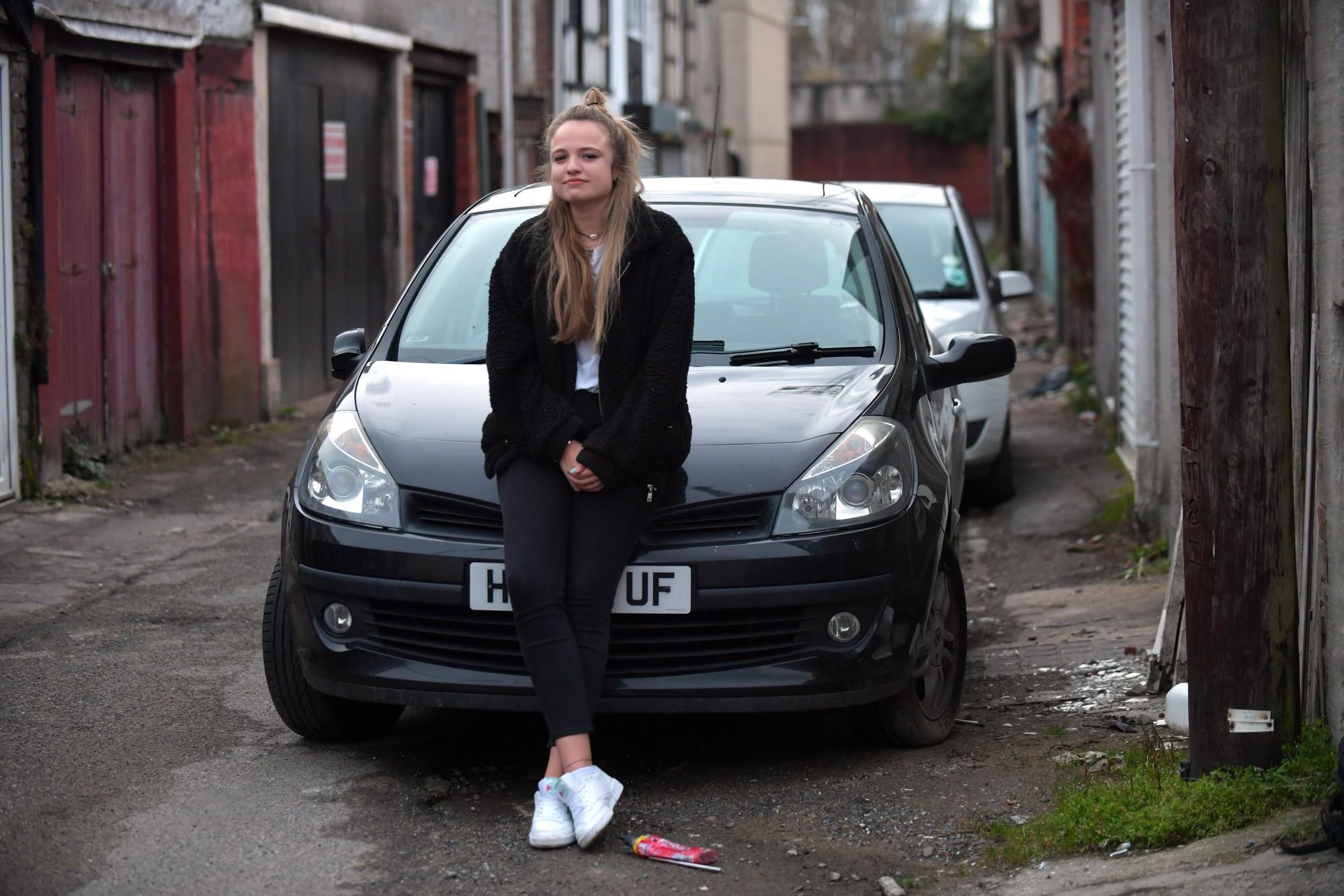 Góc hẩm hiu: Bị kẻ gian thả mìn lên xe hơi 2 lần liên tiếp, thiếu nữ Anh quyết định mang tang vật đi xét nghiệm ADN tìm thủ phạm - Ảnh 3.
