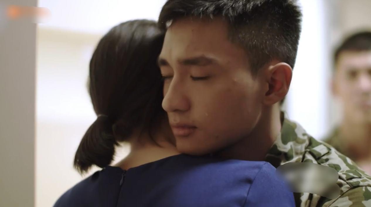 Hậu Duệ Mặt Trời Việt Nam: Cánh đàn ông đã rơi nước mắt - Ảnh 4.