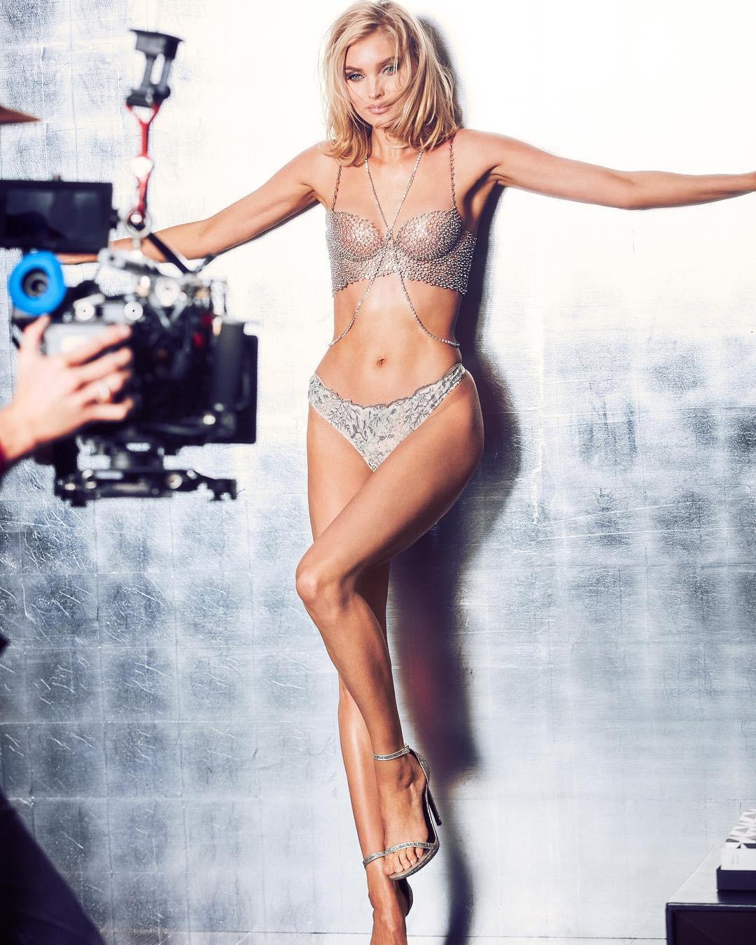 HOT: Lộ diện Fantasy Bra giá 23 tỉ VNĐ của Victorias Secret Fashion Show 2018 nhưng người được diện nó mới là điều bất ngờ nhất - Ảnh 5.