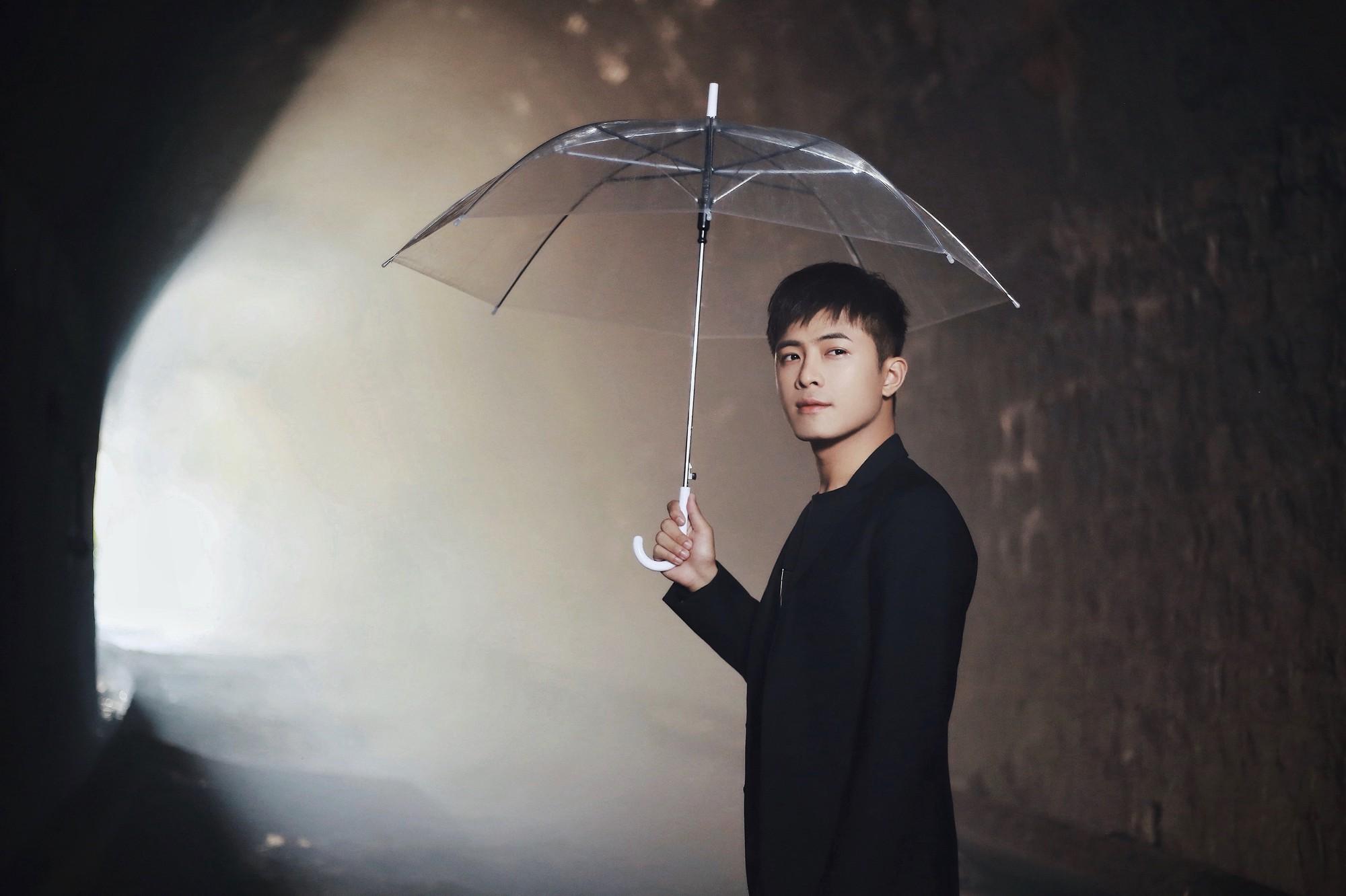Gin Tuấn Kiệt hợp tác cùng hotgirl ảnh thẻ Lan Hương tung MV đầy nước mắt về tuổi thanh xuân - Ảnh 3.