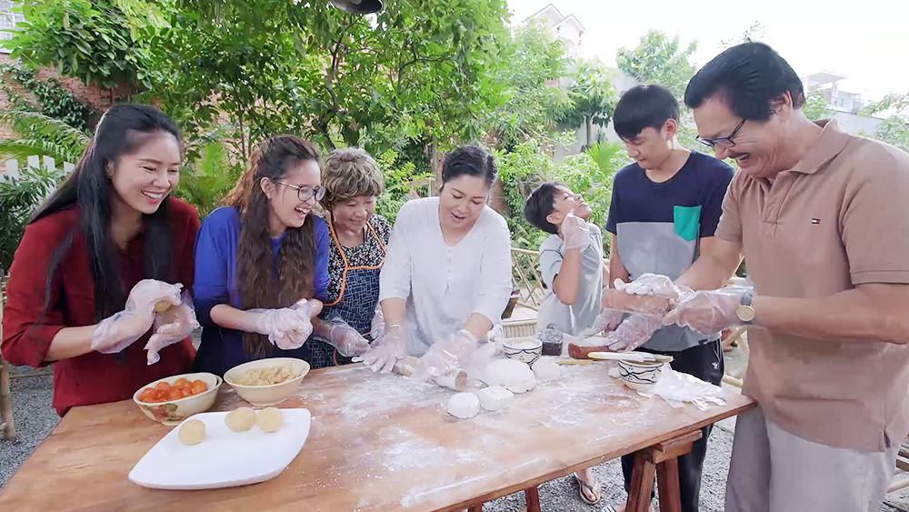Gạo Nếp Gạo Tẻ: Thương con nhu nhược, gia đình bà Mai buộc phải ra đường vì tội lỗi mà Hân gây ra - Ảnh 7.