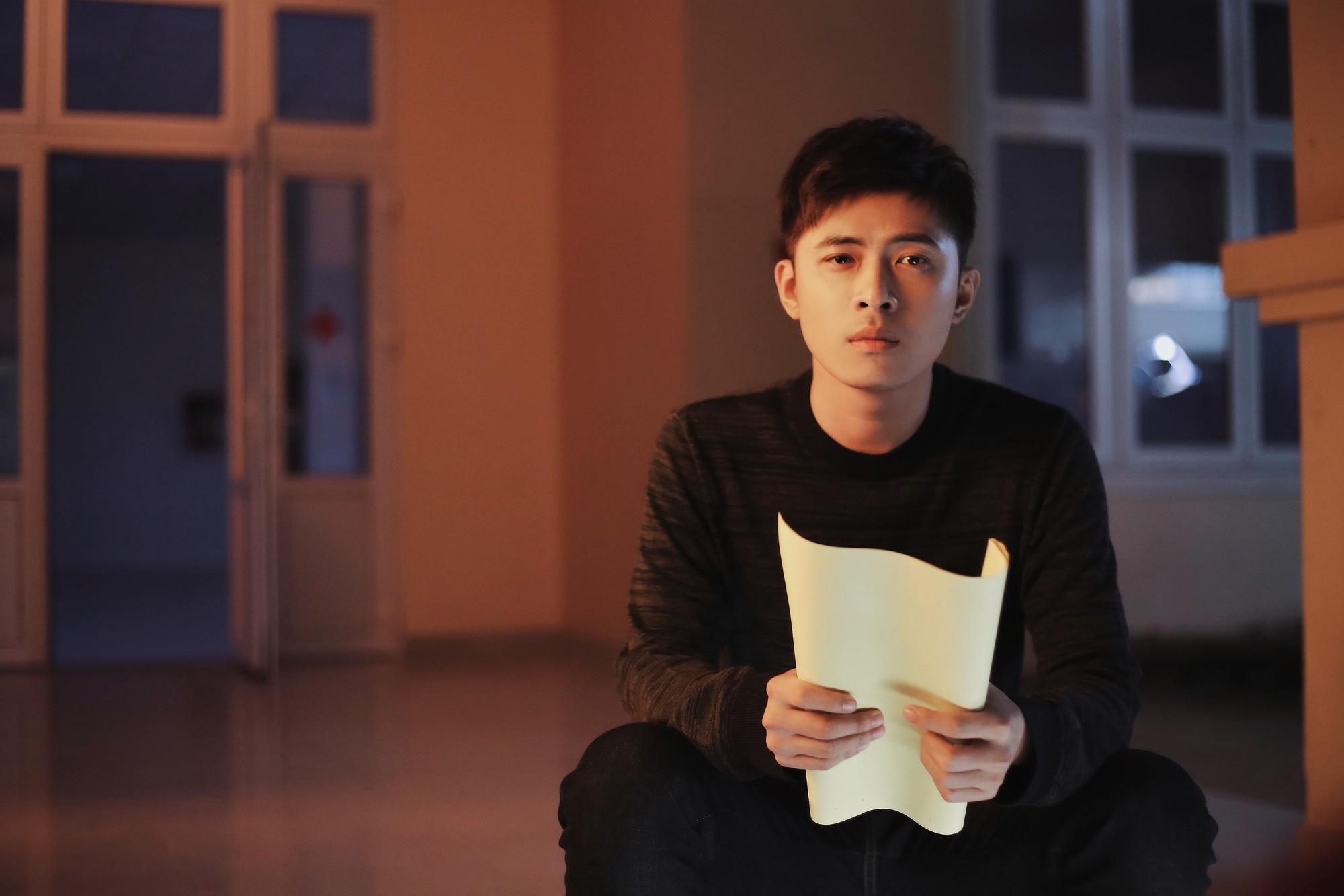 Gin Tuấn Kiệt hợp tác cùng hotgirl ảnh thẻ Lan Hương tung MV đầy nước mắt về tuổi thanh xuân - Ảnh 5.