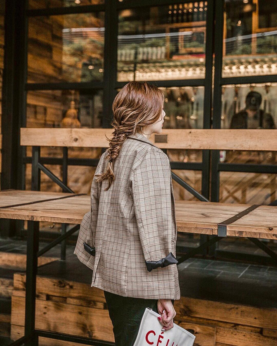 5 bí kíp khôn ngoan giúp các chị em chọn được mẫu áo blazer vừa đẹp mà mặc không bị già - Ảnh 10.