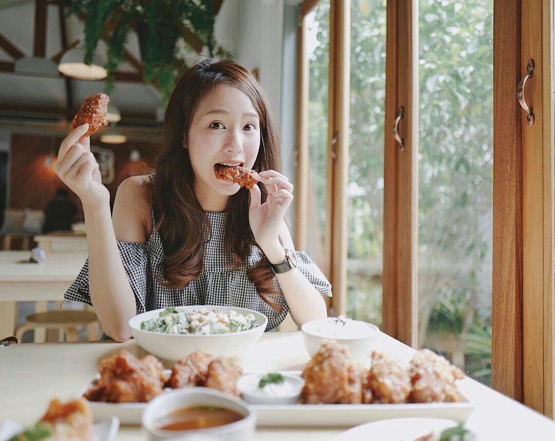 5 thói quen ăn uống gây hại lớn cho sức khỏe mà nhiều người rất hay mắc phải - Ảnh 3.