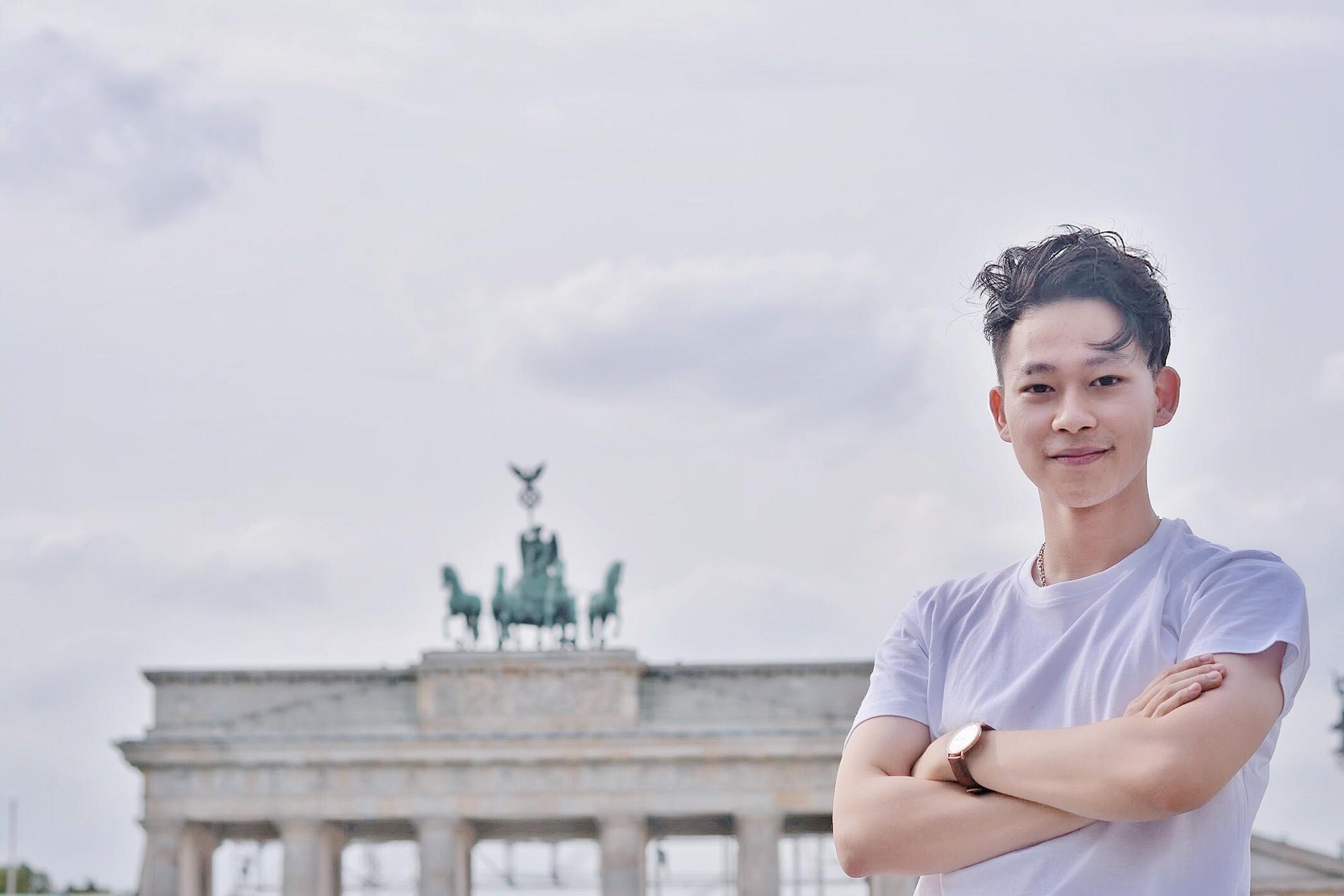 Cậu bạn Hà Nội đẹp trai, giành học bổng du học 5 nước, là thủ khoa đầu vào và tốt nghiệp ĐH với số điểm cao nhất - Ảnh 3.
