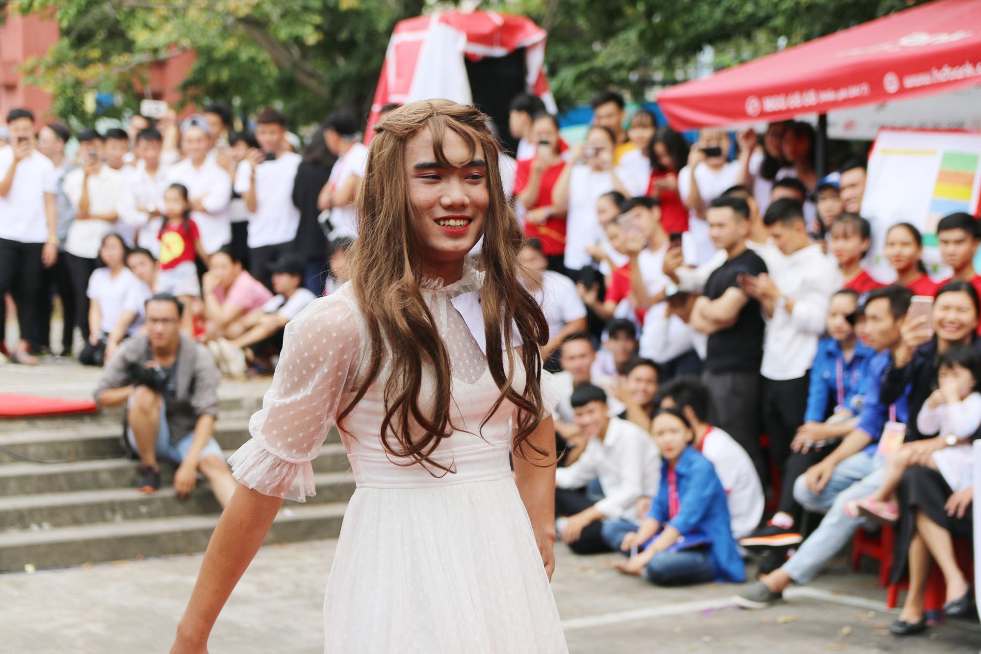 Cuộc thi Miss nam sinh khiến các cô gái thi nhau than trời xấu hổ vì nhan sắc của mình còn thua xa các bạn nam giả gái! - Ảnh 4.