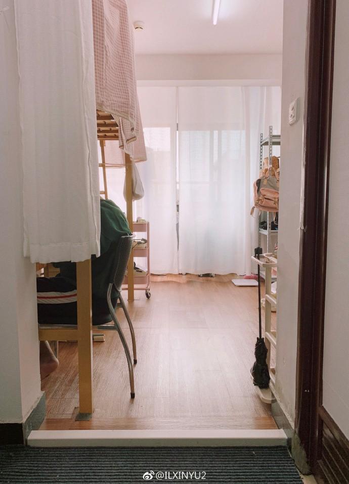 Những màn cải tạo ký túc xá thần sầu đến nỗi xem xong bạn chỉ muốn bắt tay vào lột xác ngay cho căn phòng của mình - Ảnh 21.