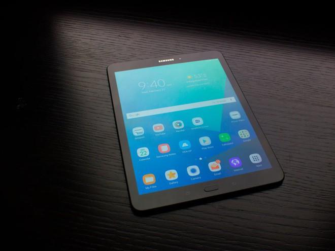 Tất tần tật về Samsung Galaxy X, smartphone màn hình gập đắt đỏ sẽ ra mắt rạng sáng mai 8/11 - Ảnh 5.