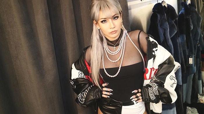 Dấu hiệu này khiến fan lo sợ T.O.P (BIGBANG) sẽ là người tiếp theo bị chủ tịch Yang bỏ rơi - Ảnh 3.