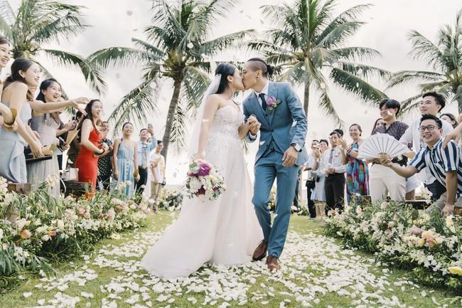 Bí mật của chiếc váy cưới và khoảnh khắc first look hạnh phúc ở đám cưới chất phát ngất do cô dâu tự tay trồng - Ảnh 9.