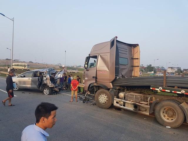 4 điều trong vụ án xe container tông Innova đi lùi trên cao tốc chưa được làm rõ - Ảnh 5.