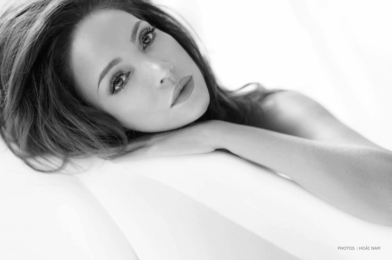 Thanh Hà sử dụng lại những thước phim hậu trường chụp ảnh nude của 3 năm trước cho MV mới - Ảnh 2.