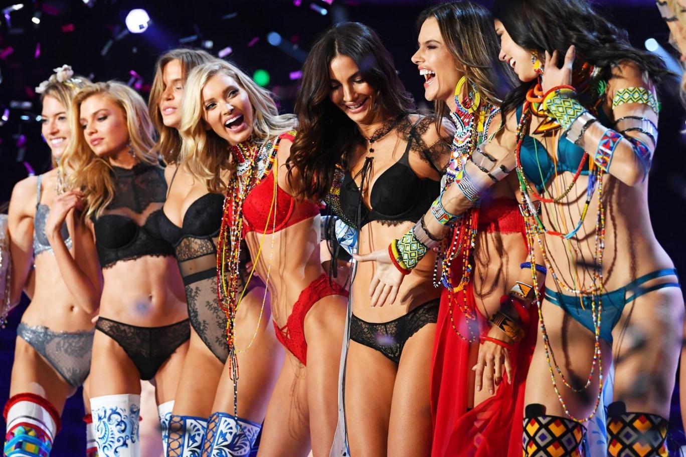 Victoria's Secret Fashion Show 2018: Những điểm đáng chú ý- Ảnh 6.