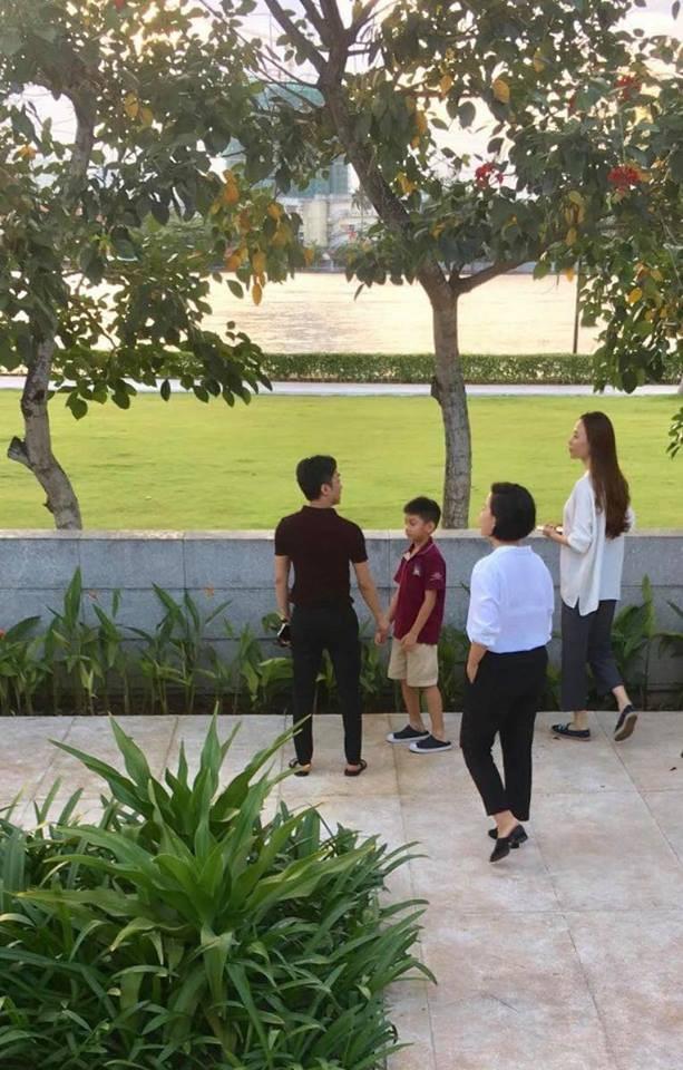 Bị bắt gặp cùng con trai đi xem nhà, dân mạng lại xôn xao khẳng định Cường Đô La và Đàm Thu Trang sắp đám cưới - Ảnh 2.