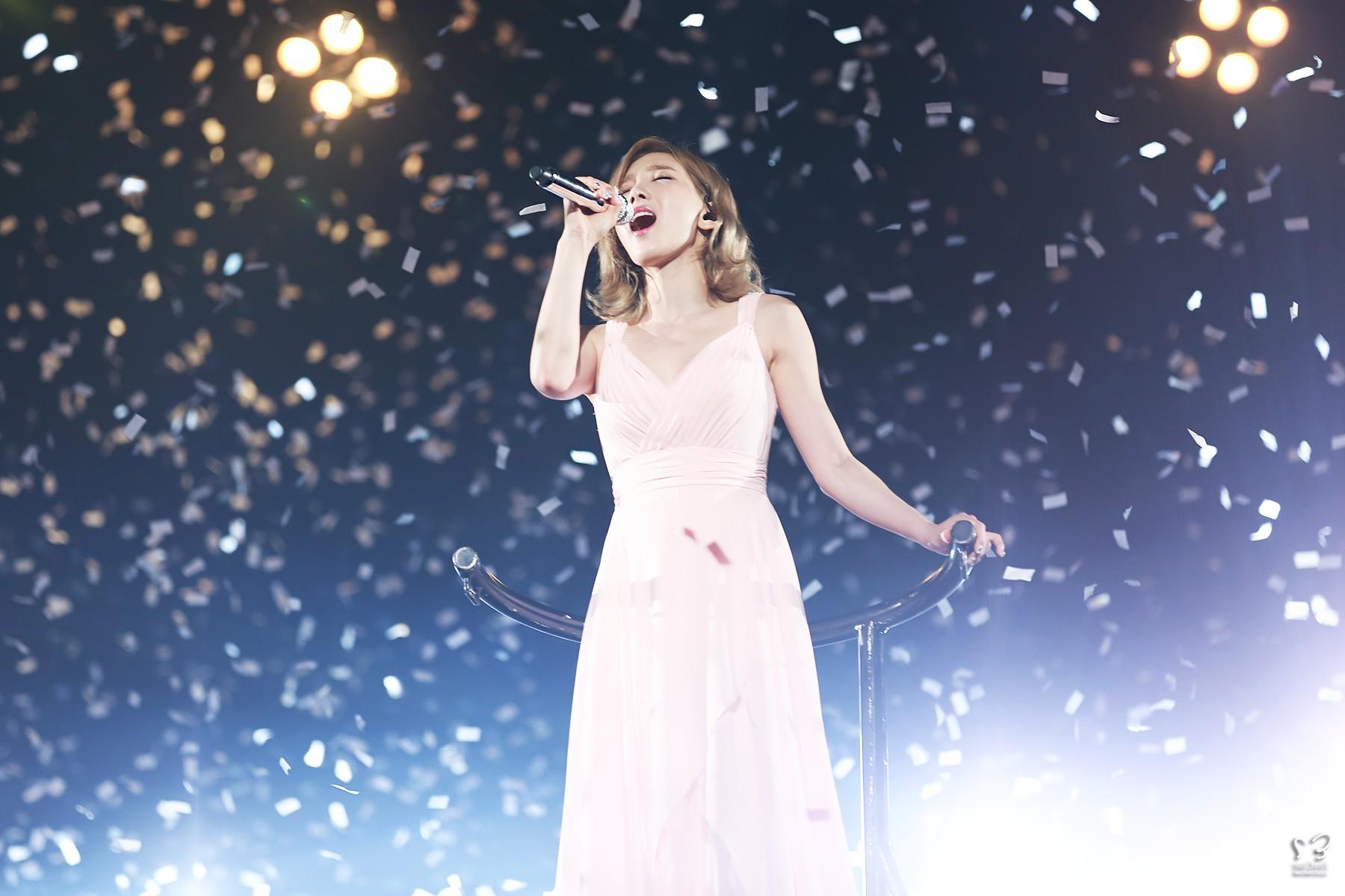 Sao Kpop với người bạn pháo giấy trên sân khấu: Người đẹp xuất thần, kẻ thất thần khiến fan không nhịn nổi cười - Ảnh 6.