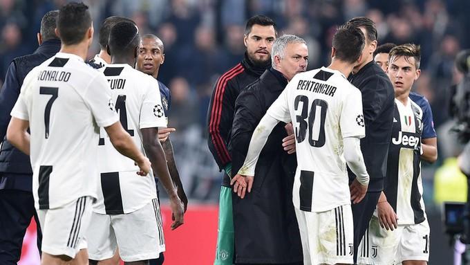 Gáy to nữa đi nào - Màn trêu ngươi của Mourinho khiến cầu thủ Juventus điên tiết - Ảnh 11.