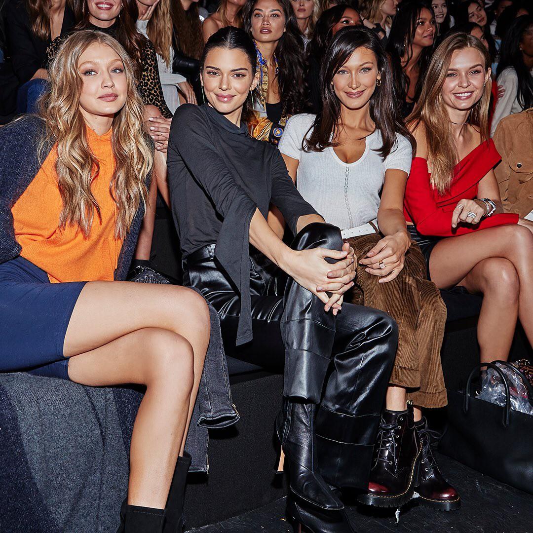 Kendall Jenner, Gigi - Bella Hadid và dàn thiên thần Victorias Secret đọ dáng chuẩn từng centimet trên phố trước giờ G - Ảnh 6.