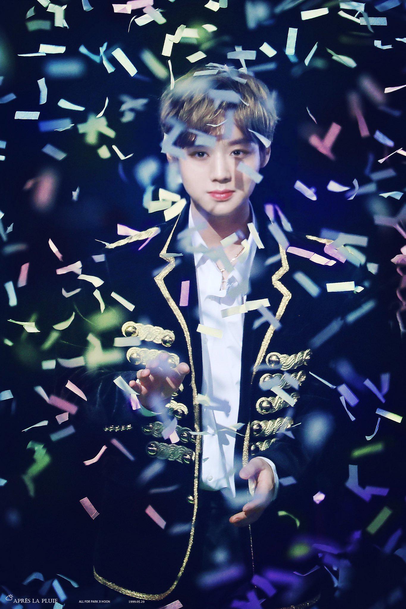 Sao Kpop với người bạn pháo giấy trên sân khấu: Người đẹp xuất thần, kẻ thất thần khiến fan không nhịn nổi cười - Ảnh 5.